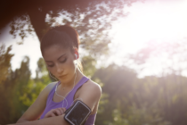 How-To-Benefit-From-Awesome-Marathon-Running-Gear-Woman-Ready-To-Run