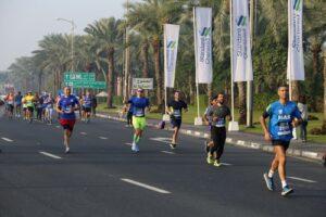 Endurance-Way-people-in-a-marathon-race