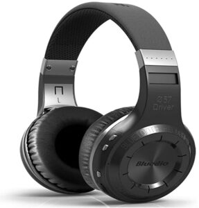 How-To-Use-Headphones-For-Great-Running-Motivation-Bluedio-HT