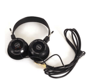 How-To-Use-Headphones-For-Great-Running-Motivation-Wireless-over-ear-headphones-wired-headphones