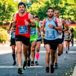 How-To-Train-For-A-Marathon-And-Successfully-Execute-men-running-in-marathon-race