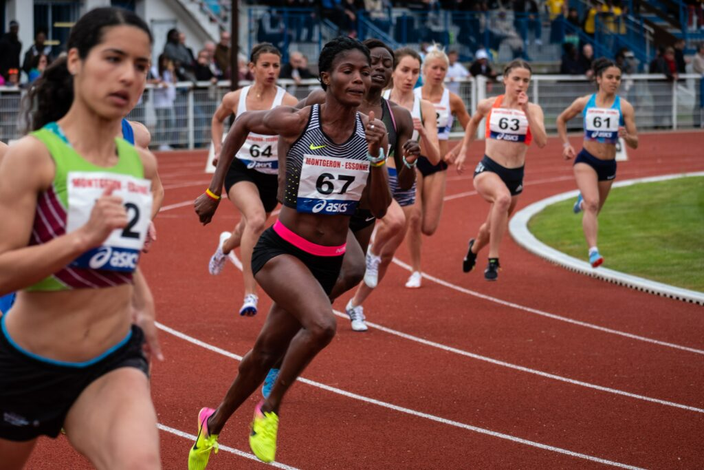 Marathon-Training-For-Elite-Run-2-Females-in-fast-race-on-a-stadium
