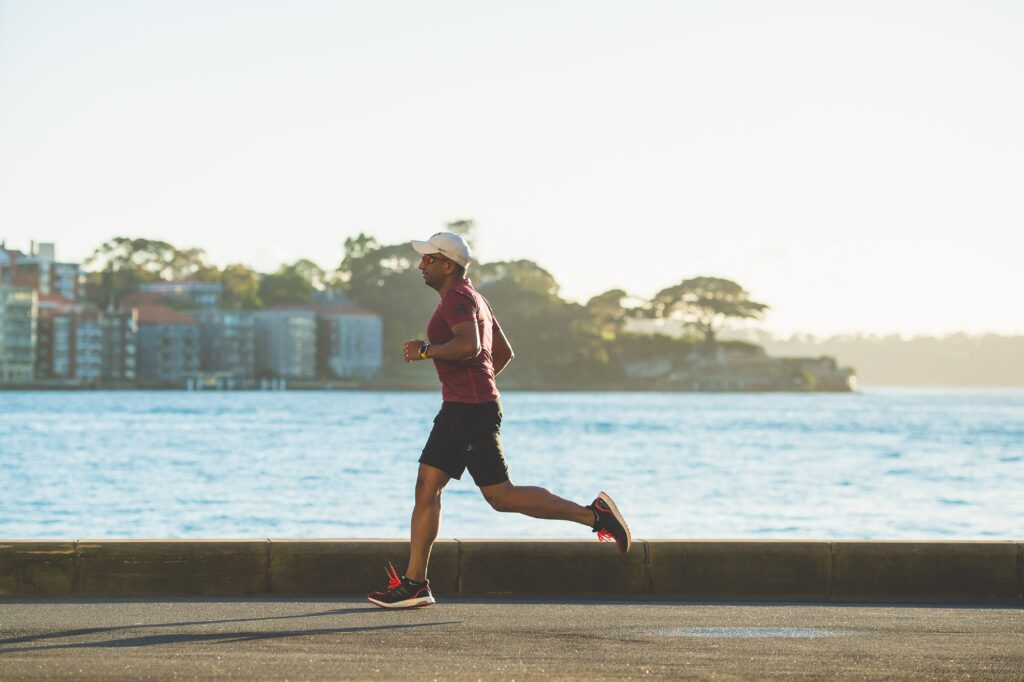 10-Informative-Training-Tips - Makes-Breakthrough-In-a-Marathon-man-running-along-the-sea