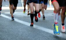 10-Motivational-Tips-to-Prepare-You-For-a-Marathon-runners-in-race-Thumbnail