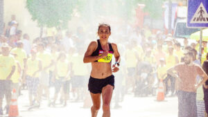 How-to-focus-your-motivation-on-Preparing-a-marathon-Woman-Running