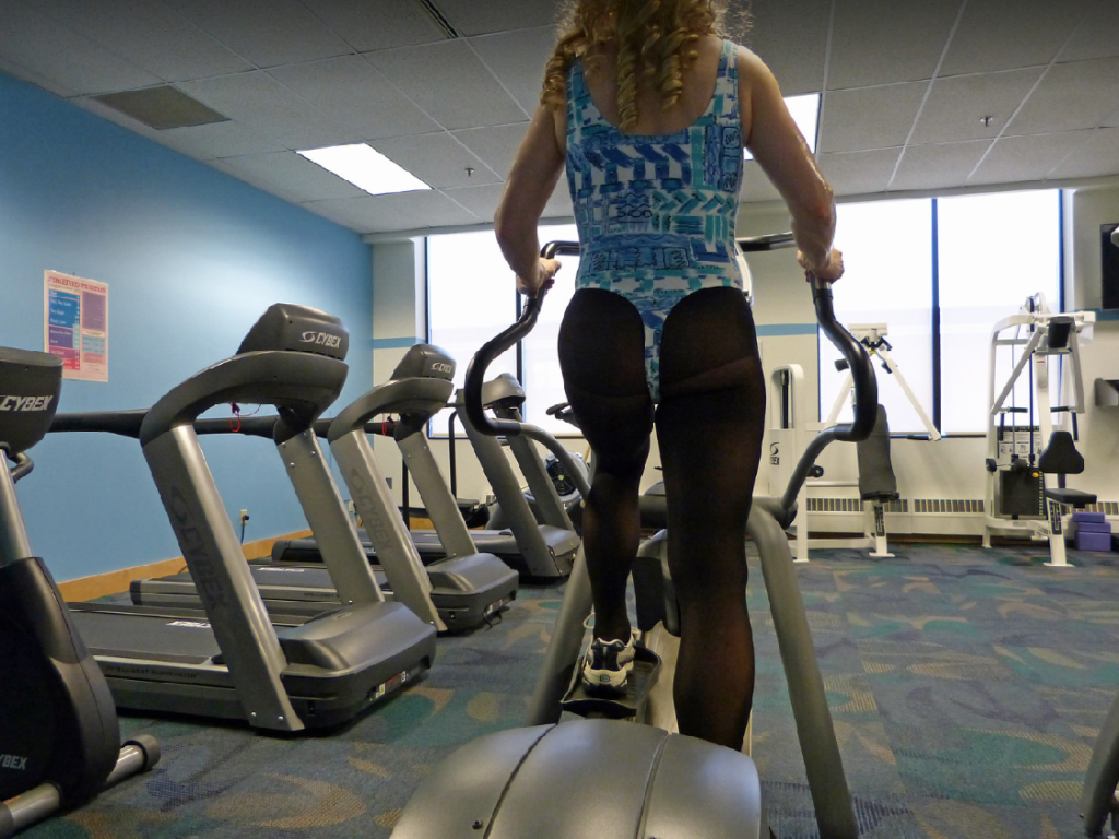 Improved-Running-By-Cross-Training-Makes-Reliable-Results-Lady-on-Cross-Trainer