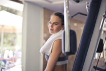 Improved-Running-By-Cross-Training-Makes-Reliable-Results-female-in-fitness-training-thumbnail