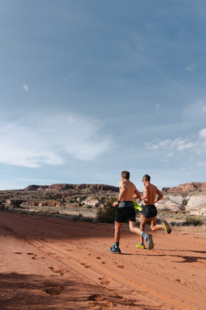 complete-the-marathon-by-running-as-the-exclusive-elite-running-on-sand