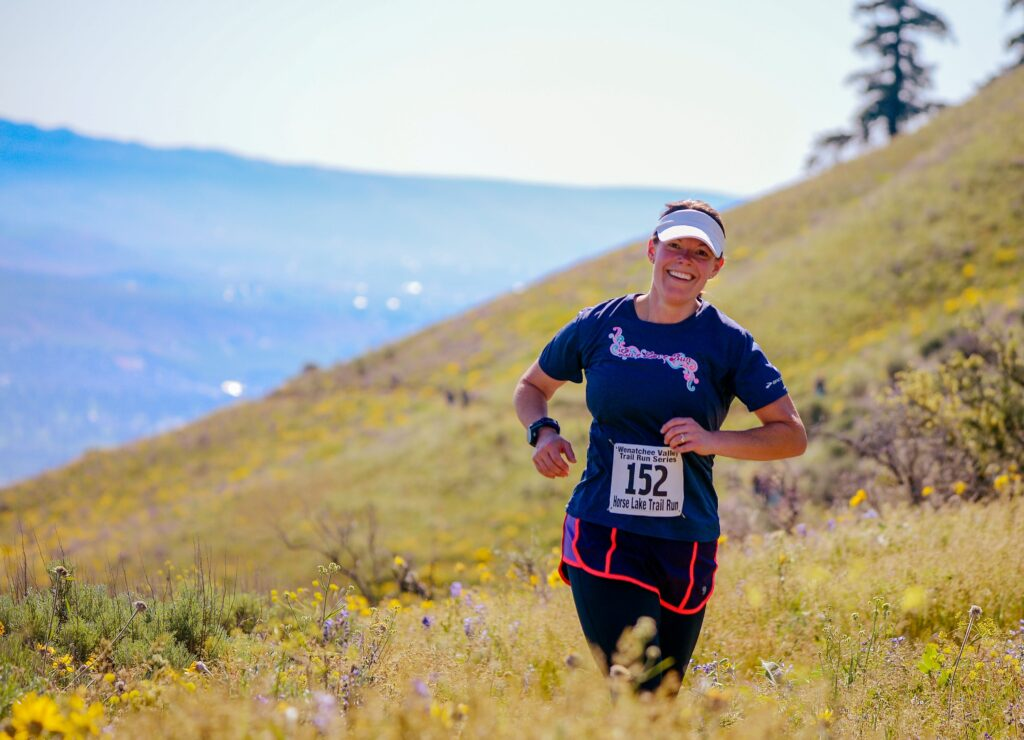what-is-benefits-of-running-Running-woman-in-nature