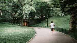7-Steps-To-The-Truth-About-Outstanding-Running-Training-man-jogging
