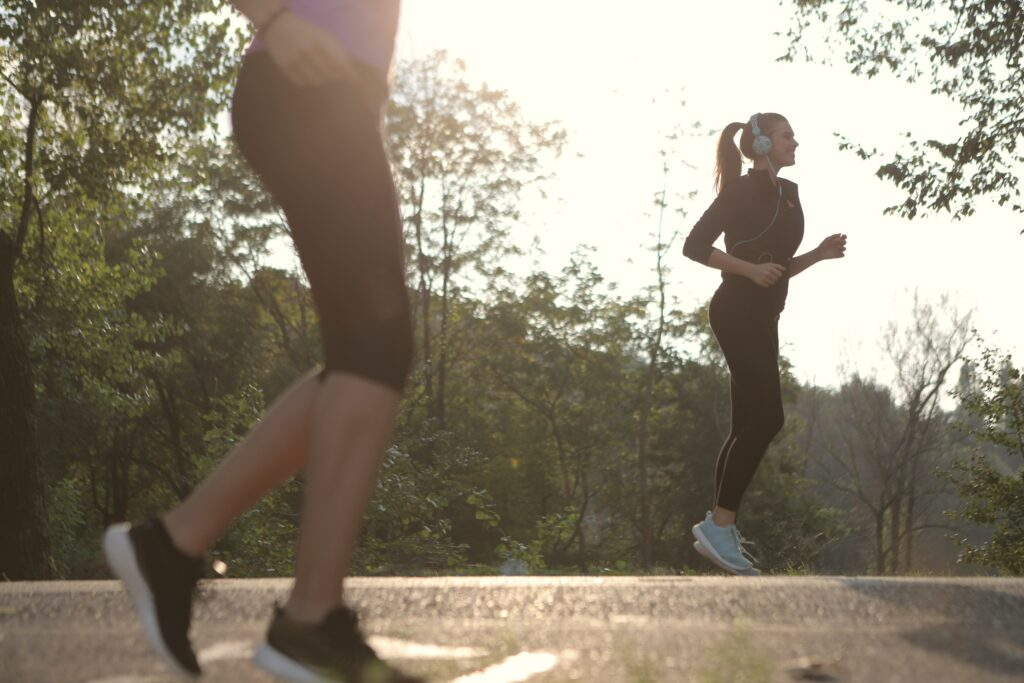 What-is-benefits-of-jogging-two people getting-in-shape