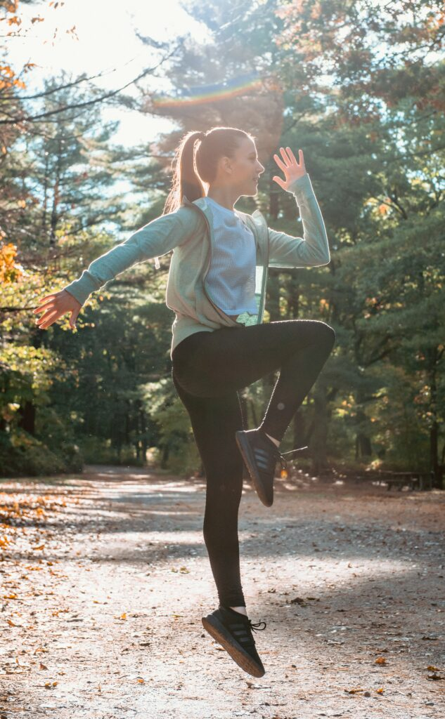 5-Best-ways-targeting-and-focus-your-running-training-Woman-Jumping