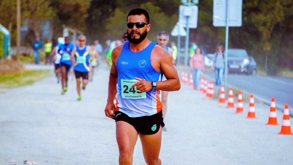 5-best-ways-to-Prepare-a-marathon-for-Beginners-male-runner