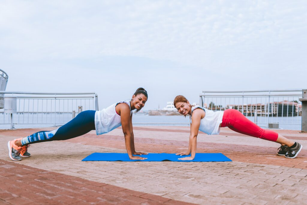 5-successful-methods-by-walking-to-a-better-fitness-two-girl-exercise-and-health