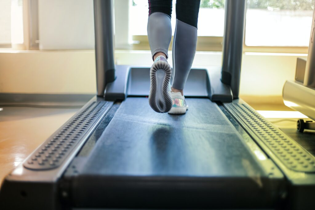 5-successful-methods-by-walking-to-a-better-fitness-walking-on-a-treatmill