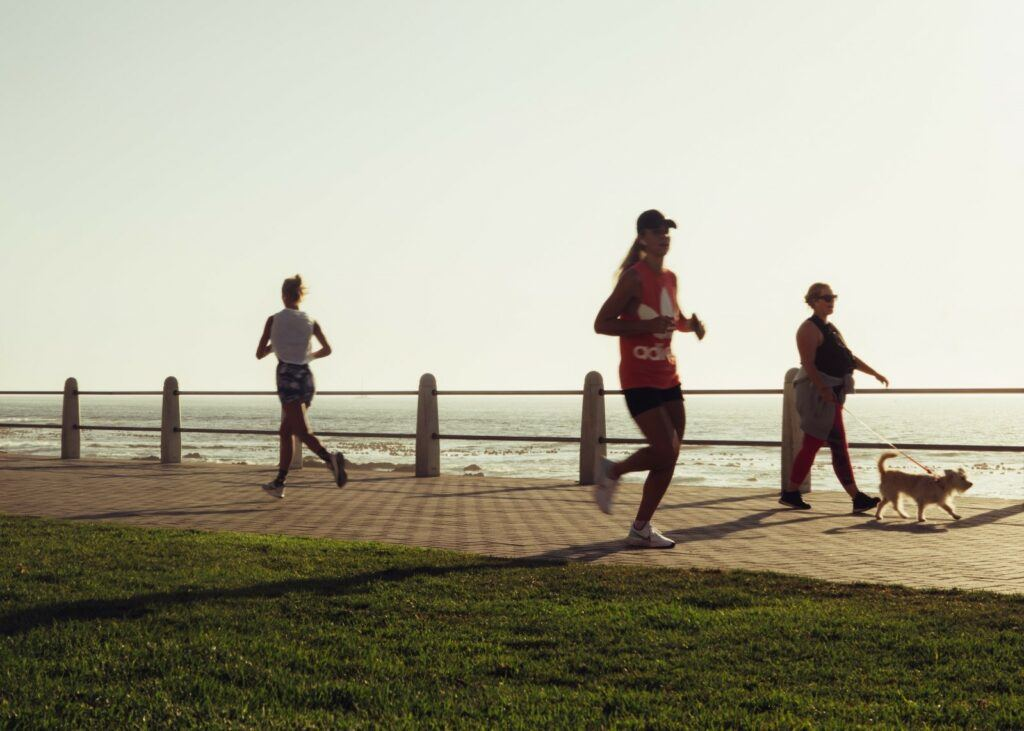 How-to-run-for-better-fitness-Woman-run-along-the-beach-side