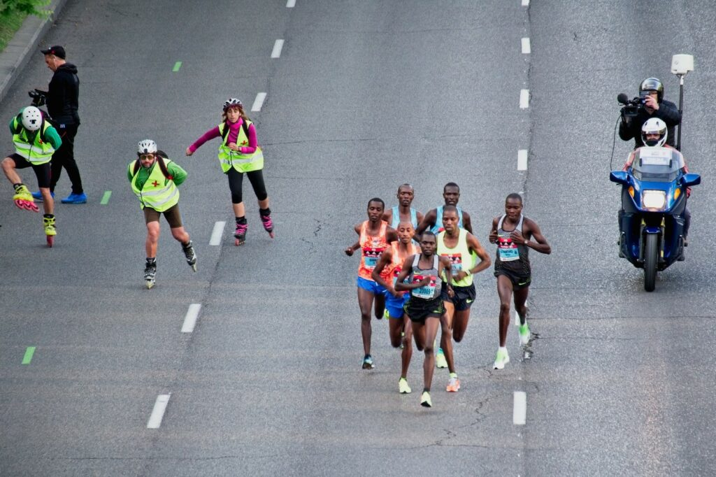 3-simple-steps-to-guide-you-to-your-best-marathon-leading-runners