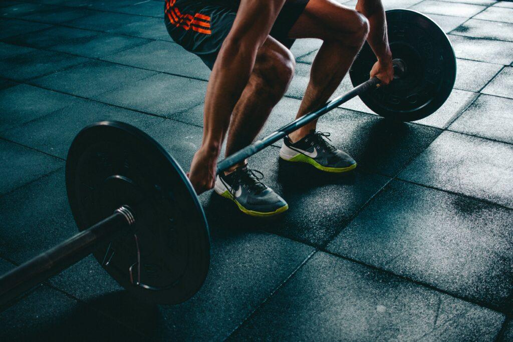 6-Best-ways-for-training-to-a-half-marathon-with-success-deadlift