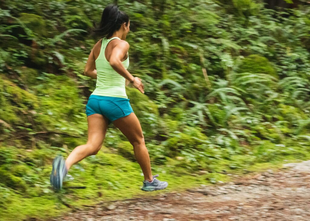 6-Best-ways-for-training-to-a-half-marathon-with-success-woman-running